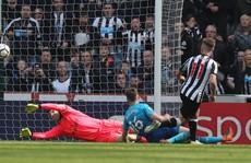 Newcastle lần đầu đánh bại Arsenal sau 8 năm