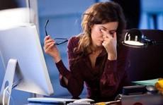 Mỏi mắt do nhìn máy tính là bệnh gì?