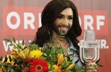 'Nữ hoàng có râu' công khai bị nhiễm HIV