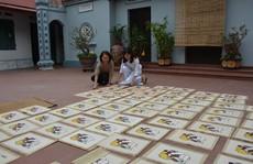 Nữ nghệ nhân đất Đông Hồ