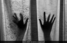 Thầy giáo tiểu học bị tố cưỡng hiếp 2 học sinh 4 ngày liên tiếp