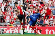 Giroud 'làm xiếc', Conte hẹn hò Mourinho ở chung kết FA Cup