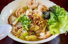 Món ăn nhất định phải thử khi lang thang ngôi chợ trăm tuổi ở Sài Gòn