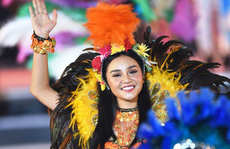 Hạ Long thức trắng cùng Carnaval hoành tráng nhất 10 năm qua