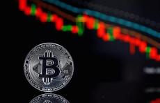 Bitcoin rớt giá thê thảm, xuống dưới 7.000 USD
