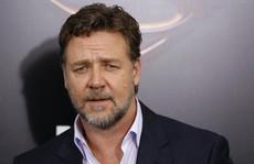 Sau ly hôn, Russell Crowe thu tiền tỉ nhờ bán kỷ vật