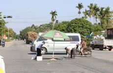 Đèn tín hiệu không hoạt động, nam thanh niên chết thảm dưới bánh xe tải