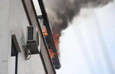 Cháy khách sạn ở trung tâm Hà Nội, khách chạy tán loạn