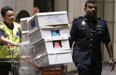 Cảnh sát Malaysia huy động thợ khóa phá két nhà ông Najib