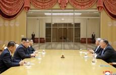 'Người đưa tin từ địa ngục' trên bàn họp với ông Kim Jong-un