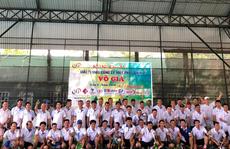 Sân chơi quần vợt cho doanh nhân cơ khí - xây dựng