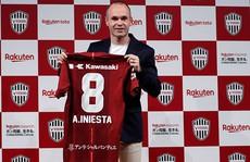 Andres Iniesta gia nhập J-League, nhận lương 'khủng' 75 triệu euro