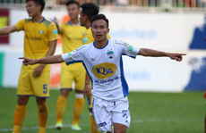 Clip: HAGL hạ SLNA; Hà Nội thắng Thanh Hóa trong mưa gôn