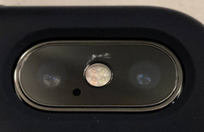 Vỡ kính camera iPhone X, phí sửa bằng tiền mua iPhone 7