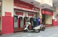 Lại thêm ngân hàng tăng phí giao dịch, người dùng 'phát hoảng'