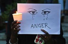 Ấn Độ: Hai thiếu nữ bị cưỡng hiếp, thiêu sống trong cùng bang