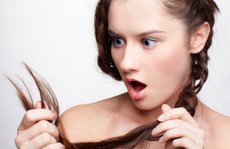 6 thói quen xấu tàn phá mái tóc của bạn