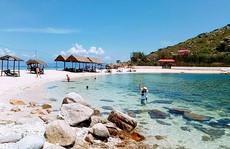 Ghé Nha Trang hè này, khám phá 'bãi tắm đôi' duy nhất ở Việt Nam