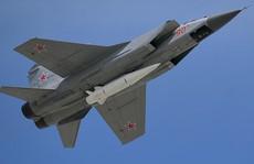 Nga mang robot và tên lửa siêu âm đến lễ diễu binh