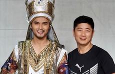 Ngọc Tuấn - người mặc áo cho nhân vật sân khấu