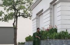 Nữ sinh Đại học Vinh rơi từ tầng 4 ký túc xá xuống đất