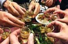 'Nữ quái' chế rượu độc làm hại não nam thực khách