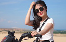 'Phấn khích' lái môtô địa hình vượt đồi cát Phan Thiết