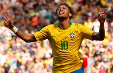Neymar bùng nổ ngày tái xuất, Brazil thắng thuyết phục Croatia