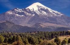 Chinh phục núi lửa phủ tuyết cao nhất Bắc Mỹ