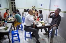 Cựu Tổng thống Obama tưởng nhớ đầu bếp ăn bún chả ở Hà Nội