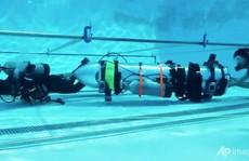 Tỉ phú Musk cùng tàu ngầm 'thiếu nhi' sẵn sàng sát hang Tham Luang