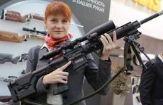 Mỹ bắt người đẹp tóc đỏ Nga bị cáo buộc làm gián điệp
