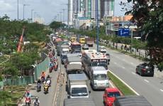 TP HCM: Sụp lún ở đường Võ Văn Kiệt, giao thông bị phong tỏa nhiều giờ