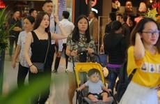 Đông nghẹt người trong ngày mở cửa trung tâm thương mại cao nhất Việt Nam