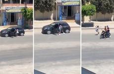 """Thế giới cuồng nhiệt nhảy """"chạy theo xe hơi"""", cảnh sát lo sốt vó"""