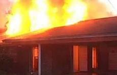 Bà mẹ trẻ và con gái bị nhân tình tưới xăng đốt để cùng chết