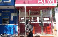 Nhiều chủ thẻ ATM của Agribank bức xúc vì không rút được tiền