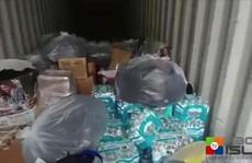 Núi đồ ăn cứu trợ siêu bão thối rữa trong bãi xe sau 11 tháng
