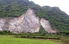 Lên đỉnh núi khoan đá, một công nhân rơi xuống đất tử vong