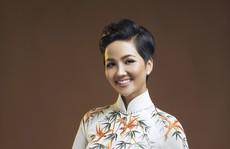 Đấu giá bộ áo dài của H'Hen Niê giúp trẻ em nghèo