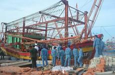 Cứu 9 ngư dân trên tàu cá bị nạn