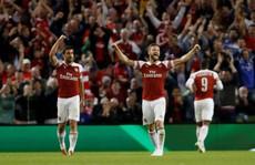 Arsenal ngược dòng hạ Chelsea ở 'đại chiến London'