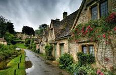 Ghé thăm ngôi làng đẹp nhất nước Anh
