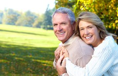 60 tuổi muốn có con với vợ trẻ, có phải xin tinh trùng?
