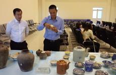 Một người hiến hàng trăm cổ vật giá trị cho bảo tàng