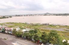 'Vết dầu loang' trên sông Đồng Nai