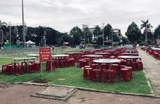 Dân bức xúc vì quảng trường tỉnh bị dựng hàng rào tổ chức sự kiện