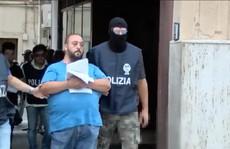 Lộ trò đập nát tay chân để đòi bảo hiểm ở Ý