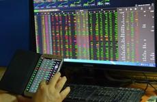 Nước ngoài mua ròng, VN-Index tăng gần 15 điểm