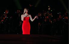 Mỹ Tâm 'đốt cháy' sân khấu Hoàng Thành Thăng Long
